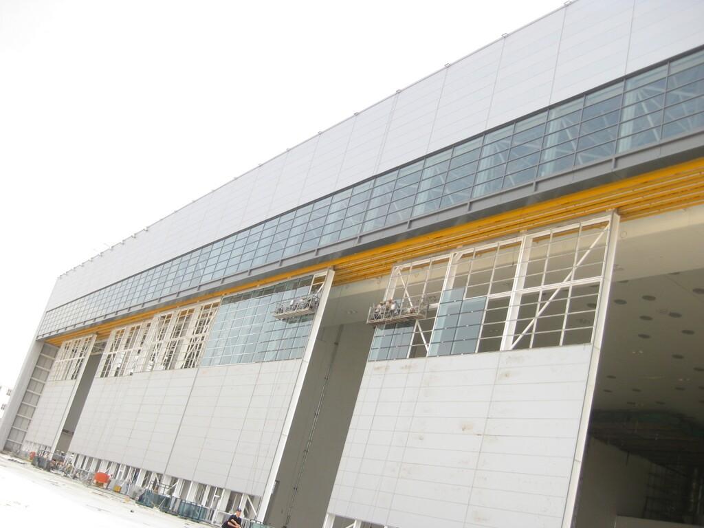 Merveilleux Airport Hangar Doors